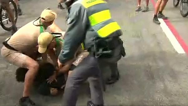 В Бразилии снова пытались сорвать эстафету Олимпийского огня