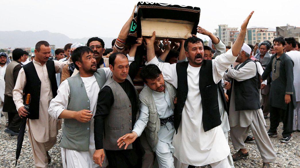 Kabil saldırısının kurbanlara toprağa veriliyor