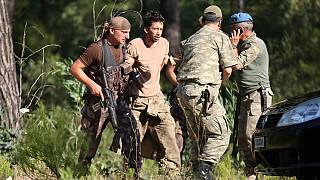 Marmaris'te darbeci 7 asker daha yakalandı