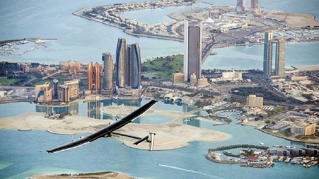 سولار امبالس 2 تقترب من أبوظبي لانهاء رحلتها حول العالم