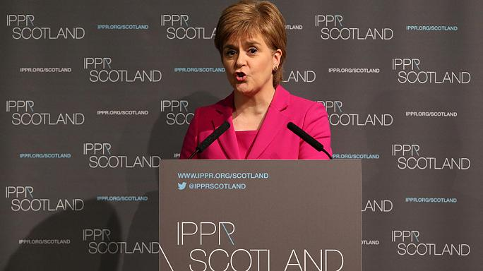 """Scozia, la premier Sturgeon: """"Torna l'opzione indipendenza dopo la Brexit"""""""