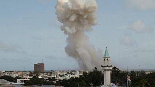 Somalia: Double car bomb attack near Mogadishu airport, at least 13 dead