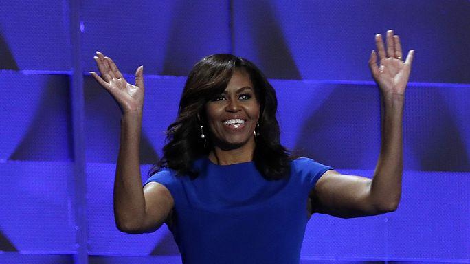 Michele Obama une congresso democrata dividido