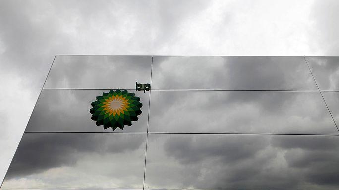 Az alacsony olajár felezte a BP nyereségét
