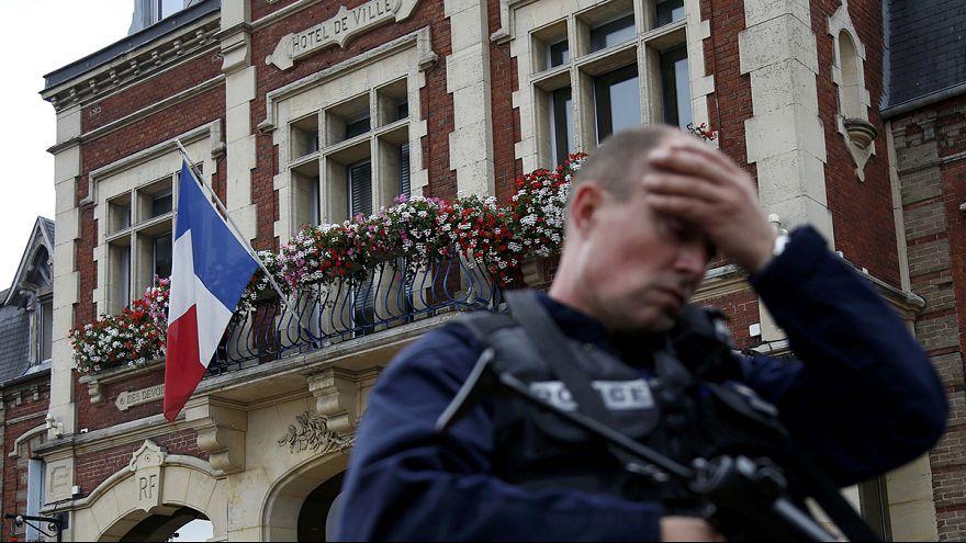 الإرهاب الذي ضرب كنيسة في فرنسا و العلاقات الاوروبية التركية الخاصة بأزمة اللجوء ابرز الاهتمامت الأوروبية ليوم السادس و العشرين من شهر تموز يوليو 2016