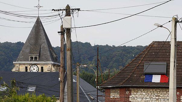 Massacro in chiesa francese: identificato uno dei terroristi