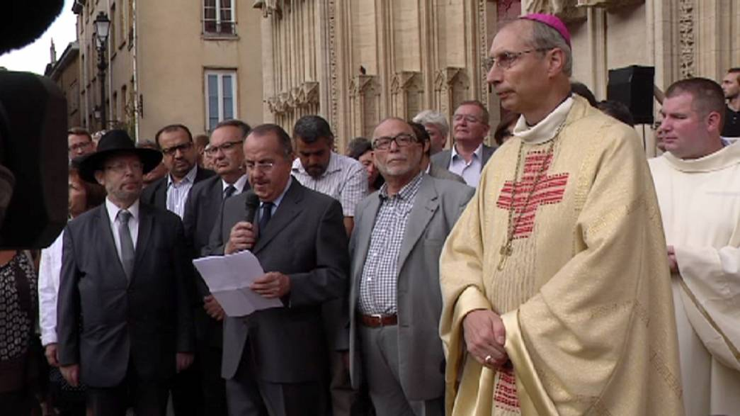 Молитва объединила жителей Франции