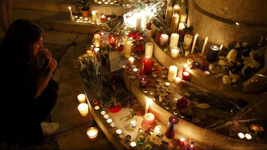 Saint-Étienne-du-Rouvray: França de luto e em luta no terreno