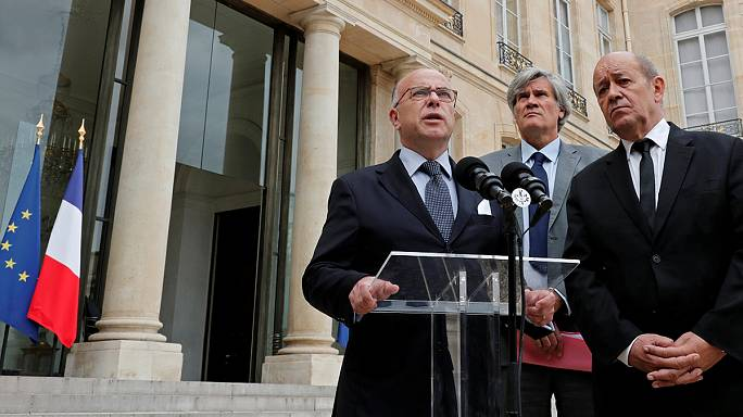 Франция: Сент-Этьен-дю-Руврэ после теракта в церкви