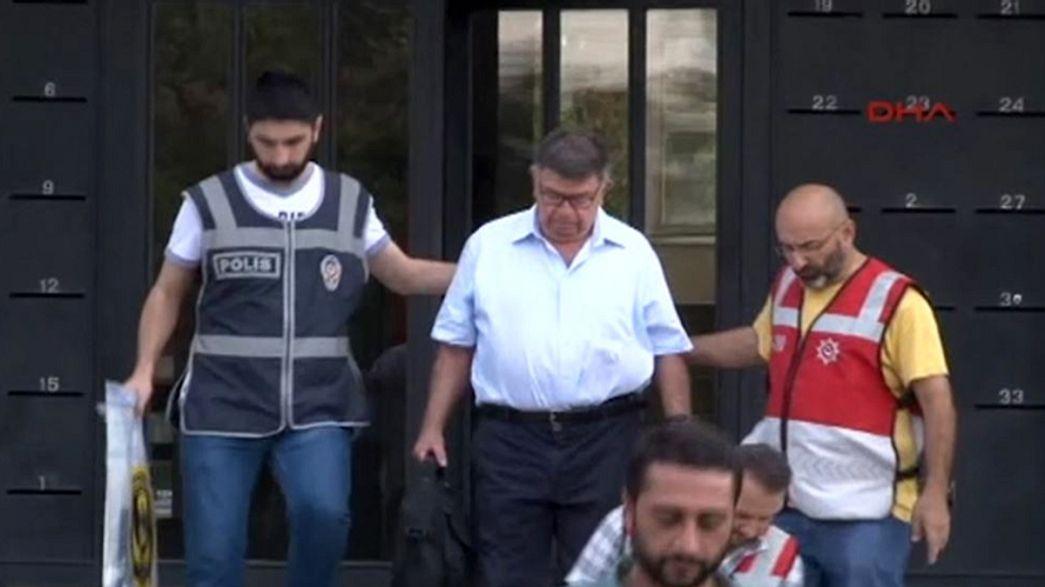 تركيا: اعتقال 47 صحفيا بجريدة زمان المعارضة