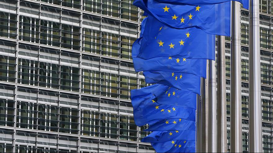 European Commission warns Poland to respect rule of law but decides not to sanction Spain and Portugal for overspending