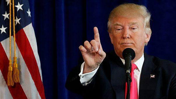 """Трамп """"изменил"""" Клинтон с Путиным"""