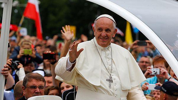 Miles de jóvenes esperan al papa Francisco en Cracovia
