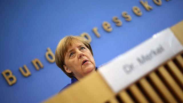 """Merkel: """"İki sığınmacının eylemleri sebebiyle bir topluluk tümüyle suçlanamaz"""""""