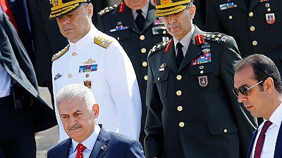 Turquia: Limpeza nas Forças Armadas prossegue sem tréguas