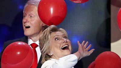 Clinton acepta la nominación demócrata para convertirse en la primera presidenta de EEUU