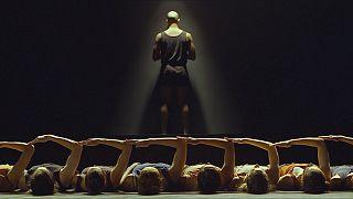 """""""Mr. Gaga"""": coreógrafo israelita Ohad Naharin dá-nos vontade de dançar"""
