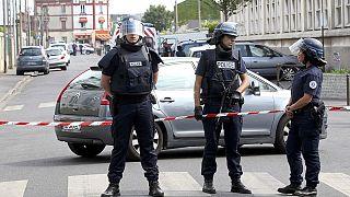 الحكومة الفرنسية تقر بتقصير من جانب القضاء في اعتداء الكنيسة