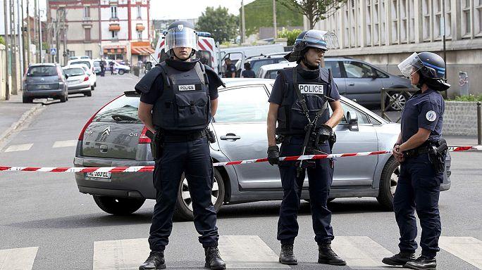 Manuel Valls admite falha na segurança francesa