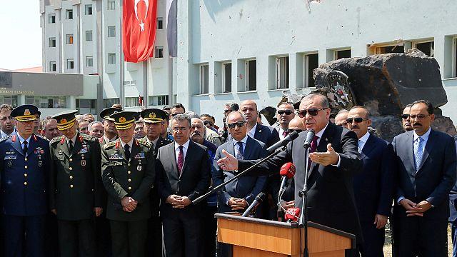 """Erdoğan'dan ABD'li generale: """"Darbeci senin ülkende"""""""