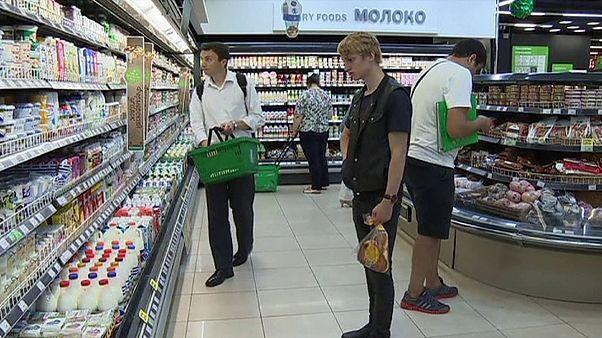 Rusya'nın yüzde 40'ından fazlası gıda ve kıyafet almakta zorlanıyor