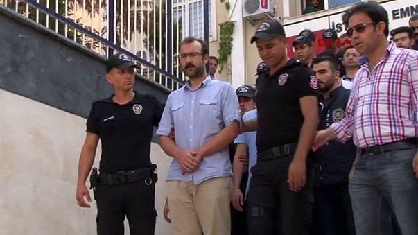Turchia: una ventina di giornalisti davanti alla Corte di Istanbul