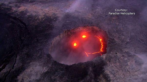 """بركان كيلاويا """"يبتسم"""" للعالم"""