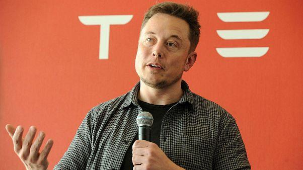 Tesla sahipleri oturduğu yerden para kazanacak