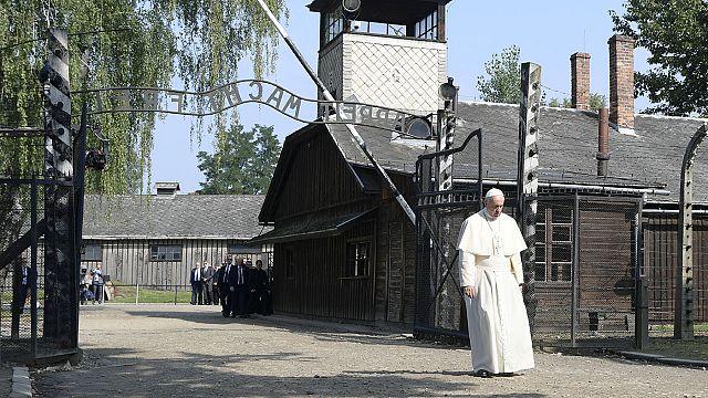 """Папа Франциск в Кракове: """"Жестокость на земле не исчерпала себя в Освенциме"""""""