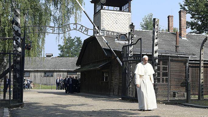 """في يومه الثالث في بولندا، البابا فرنسيس يثير مسألة """"الوحشية التي يعيشها عالم اليوم"""""""