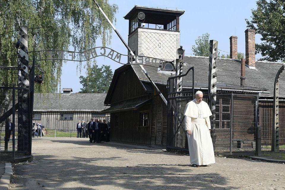 """Papst prangert """"Grausamkeiten in der Welt"""" an"""