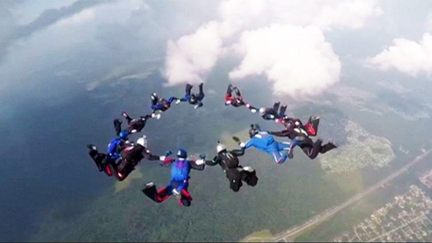 Mosca: i Mondiali di paracadutismo militare