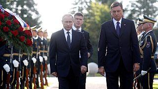 Vladimir Putin visita a Eslovénia e faz crescer a tensão na UE