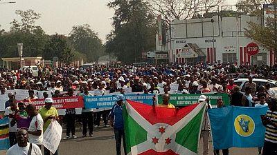 Burundi : protestation devant l'ambassade de France