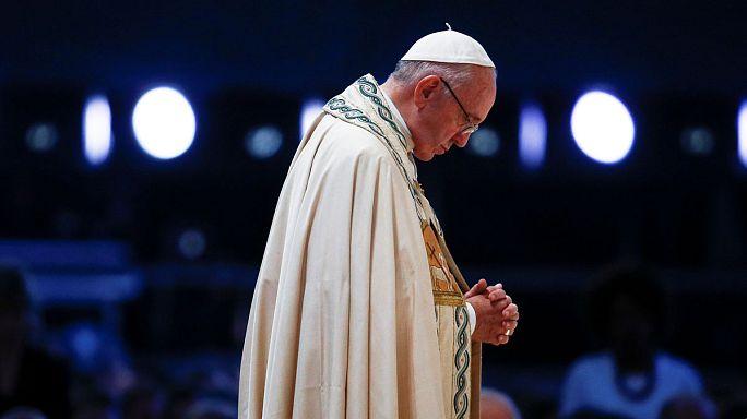 """البابا فرنسين: """"لايمكننا التغلب على الإرهاب بالإرهاب"""""""