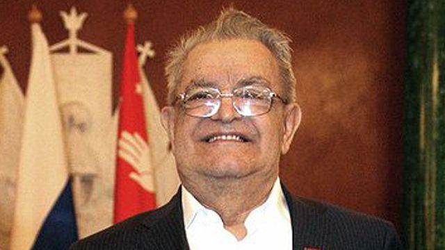 Dünyaca tanınmış edebiyat yazarı Fazıl İskender 87 yaşında hayatını kaybetti
