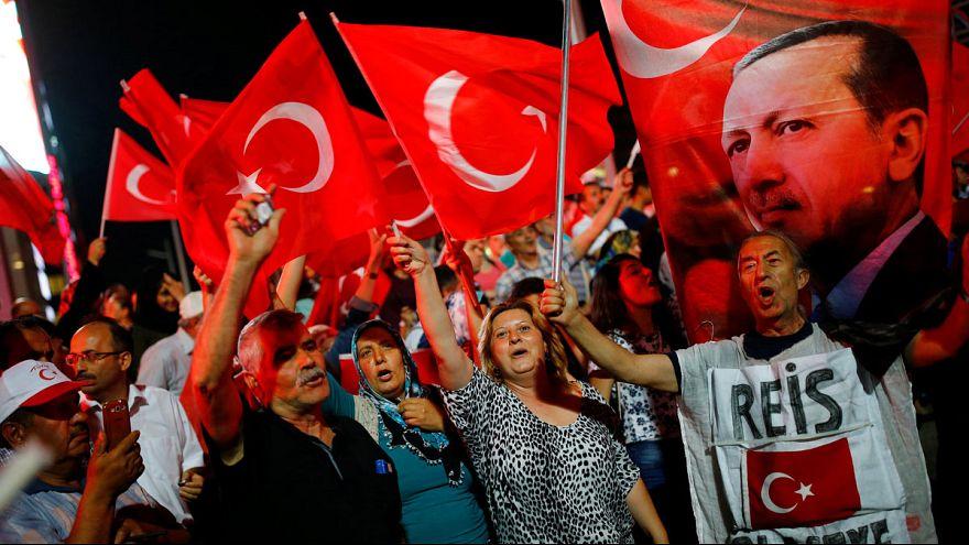 Einige der besten Tweets zur Erdogan-Demo: #koeln3107