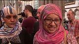 Fieles musulmanes acuden a la misa dominical en iglesias cristianas de toda Francia