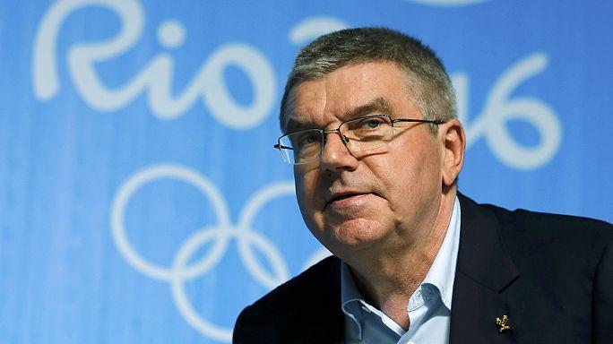 اللجنة الأولمبية الدولية تدافع عن قرارها بعدم إسبعاد جميع الرياضيين الروس