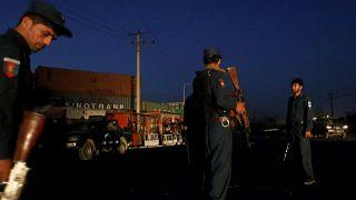 Explosion d'un camion piégé devant l'hôtel nortgate, un hôtel pour étrangers à Kaboul. Les talibans ont revendiqué l'opération.