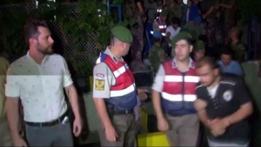 Turquía: otros diez militares golpistas detenidos por el ataque contra el hotel en el que se encontraba Erdogan