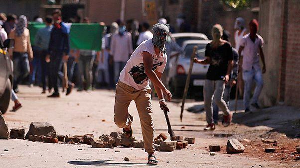 Índia: Protestos na região de Caxemira
