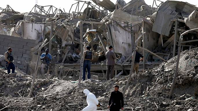 Teherautót robbantottak a tálibok egy kabuli katonai bázisnál