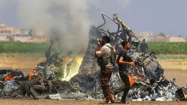 Suriye'de Rus helikopteri düşürüldü