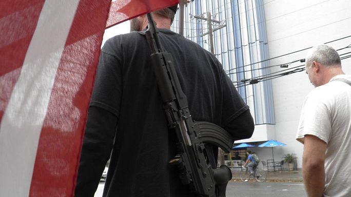 Véres évfordulón engedik be a pisztolyokat a texasi egyetemekre