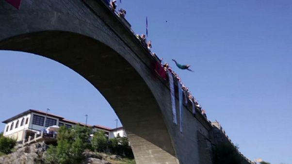 Amatőr műugró-verseny Koszovóban