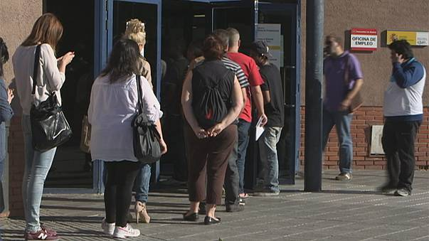 Tourism boom bring down Spanish jobless total