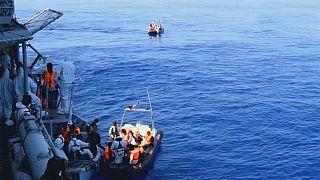 В Средиземном море за 5 дней спасены 8300 мигрантов