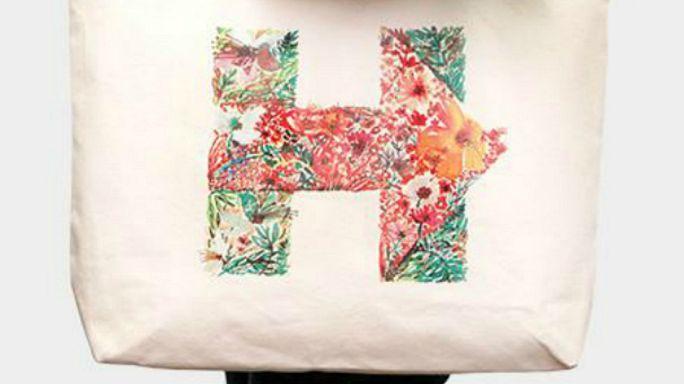 Hillary-s kutyatányértól a Trump-zászlóig