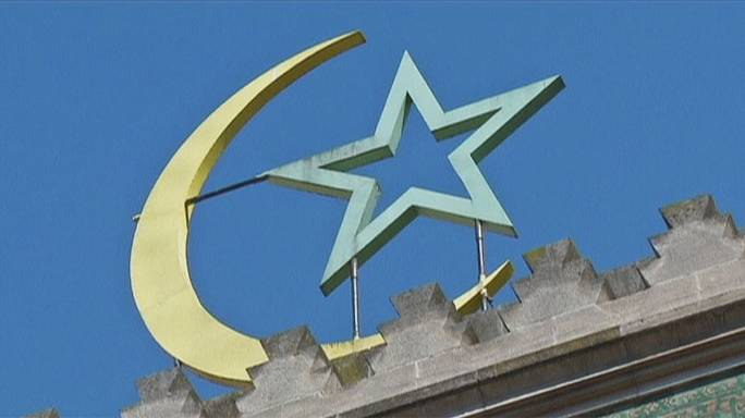 França: O debate sobre a reforma do Islão